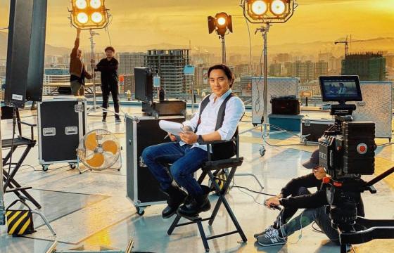 """""""Фантастик"""" продакшны найруулагч Б.ТАМИР: Би Зэвсэгт хүчний алба хаагчдыг торгон хилийн сүлдэт баганатай зүйрлэдэг"""