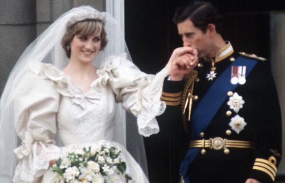 ДИАНА ГҮНЖ: Энэ гэрлэлт гурван хүнийх байсан