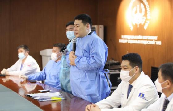 Засгийн газраас цар тахалтай тэмцэж байгаа эмч, эмнэлгийн ажилтнуудад 2.8 тэрбум төгрөгийн дэмжлэг өгнө
