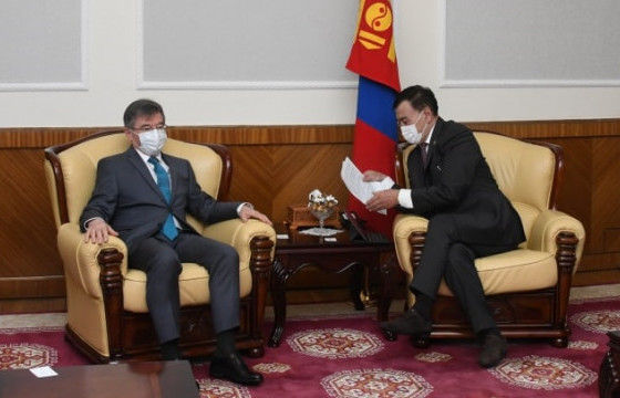Байнгын хорооны дарга Б.Баттөмөр Элчин сайд И.К.Азизов нар хамтын ажиллагааны талаар санал солилцлоо
