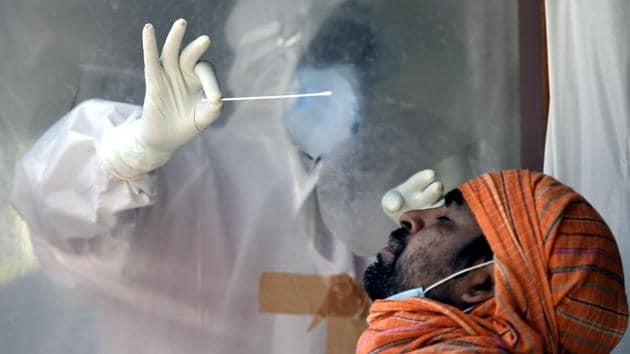 Энэтхэгт 200 гаруй мянган хүн коронавирусийн улмаас нас баржээ